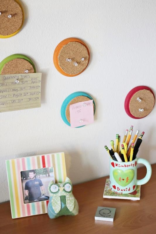 Small Round Mini Pin-boards From Cork