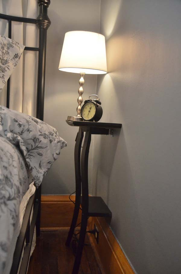 15 Smart and Ingenious Ways To Decorate Your Tiny Bedroom On A Budget usefuldiyprojects (13)
