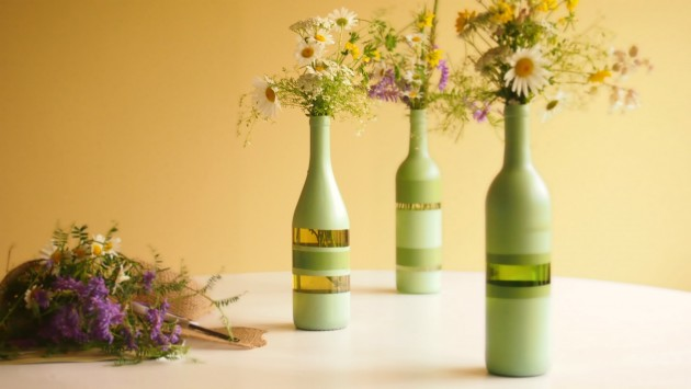 17 Fascinatingly Beautiful DIY Wine Bottle Crafts To Accessorize Your Decor usefuldiyprojects.com 3 - 17 Fascinatingly Beautiful DIY Wine Bottle Crafts To Accessorize Your Decor