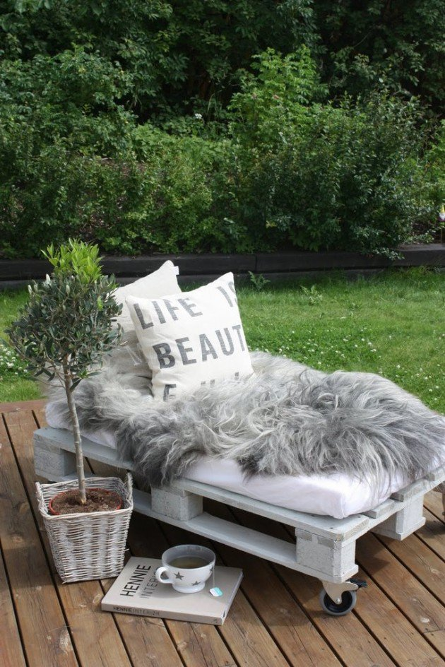 22 Creative Fun DIY Garden Furniture Projects You Will Adore-usefuldiyprojects.com (14)