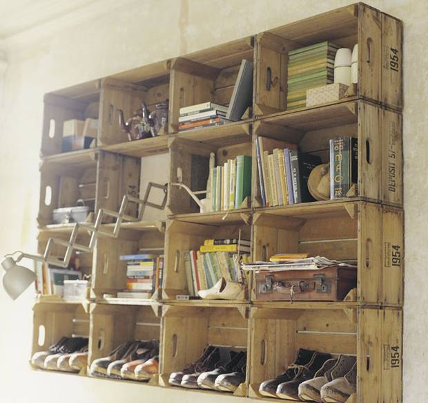 28 Simply Extraordinary Ways to Repurpose Wooden Crates Into Vintage Accessories usefuldiyprojects.com decor (1)