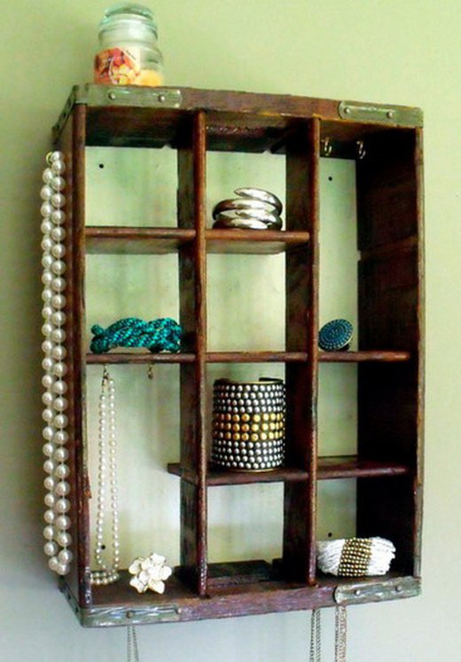 28 Simply Extraordinary Ways to Repurpose Wooden Crates Into Vintage Accessories usefuldiyprojects.com decor (17)