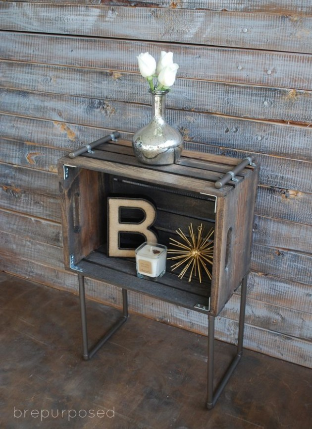 28 Simply Extraordinary Ways to Reuse Wooden Crates Into Vintage Accessories usefuldiyprojects.com decor