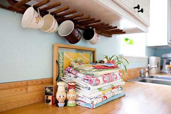 30 Extraordinary Creative and Graphic DIY Mug Storage To Beautify Your Kitchen  usefuldiyprojects.com decor (1)