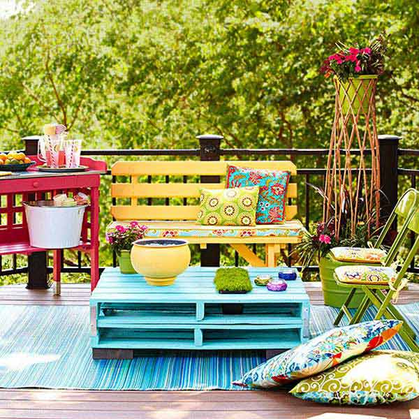 31 Ingeniously Cool Ideas to Upgrade Your Patio This Season usefuldiyprojects.com decor ideas (1)