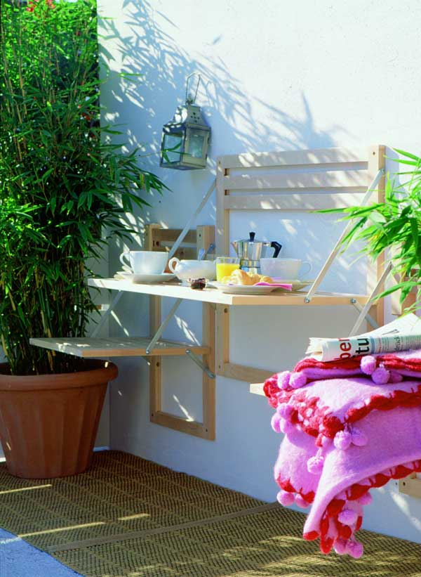 An ingenious folding furniture for your patio area