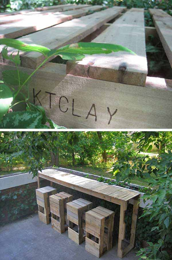 Upgrade Your Patio with this patio pallet bar