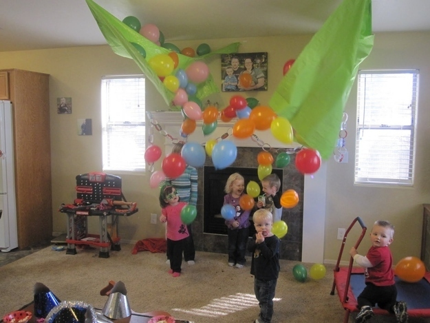32 Creatively Ingenious DIY Projects To Do With Balloons usefuldiyprojects (9)