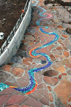 37  Beauteous and Alluring Garden Paths and Walkways For Your Little Drop of Heaven usefuldiyprojects (15)