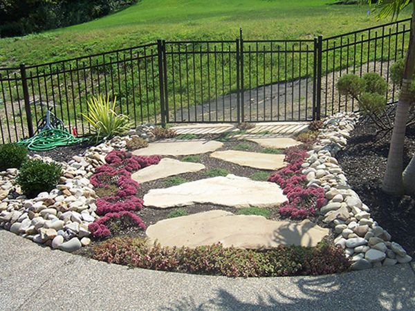 37  Beauteous and Alluring Garden Paths and Walkways For Your Little Drop of Heaven usefuldiyprojects (22)