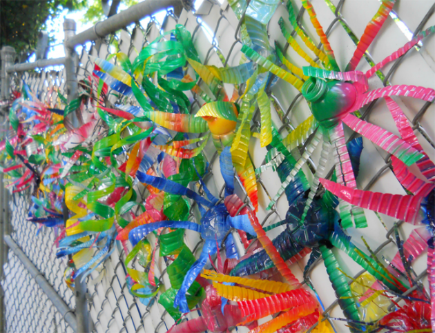 45 Different Ways to Use Plastic Bottles Into Sustainable DIY Crafts usefuldiyprojects.com decor ideas (1)