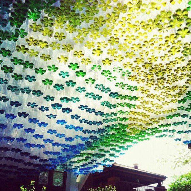 45 Different Ways to Use Plastic Bottles Into Sustainable DIY Crafts usefuldiyprojects.com decor ideas (11)