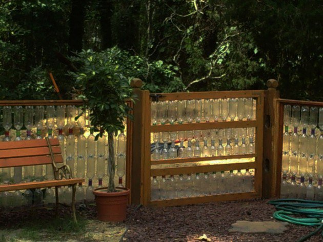 45 Different Ways to Use Plastic Bottles Into Sustainable DIY Crafts usefuldiyprojects.com decor ideas (20)