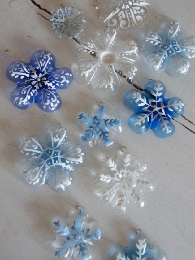 45 Different Ways to Use Plastic Bottles Into Sustainable DIY Crafts usefuldiyprojects.com decor ideas (28)