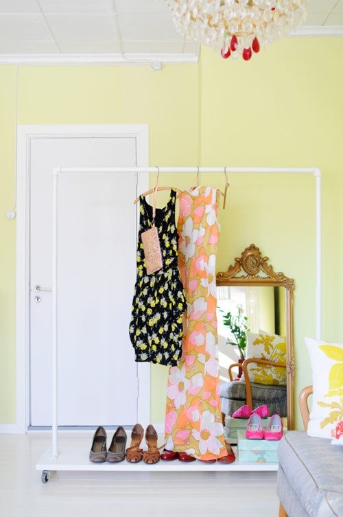 DIY Clothing Storage Solutions For Small Spaces-usefuldiyprojects (22)