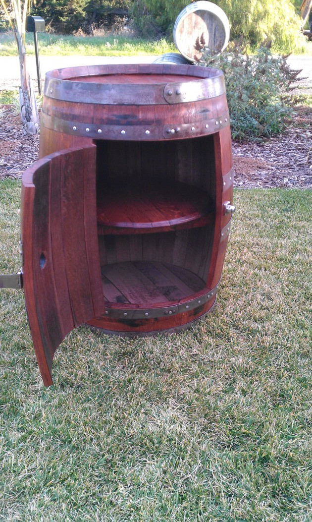 DIY Ideas Wine Barrels Ideas to Try This Summer-usefuldiyprojects (1)