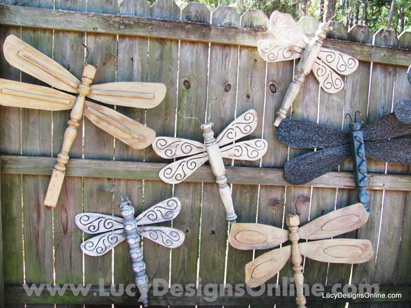 Top 23 DIY Garden Fence Decorations To Mesmerize Pedestrians usefuldiyprojects.com decor (1)