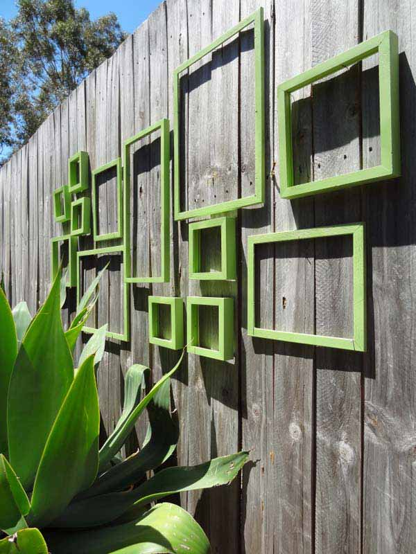 Top 23 DIY Garden Fence Decorations To Mesmerize Pedestrians usefuldiyprojects.com decor (4)