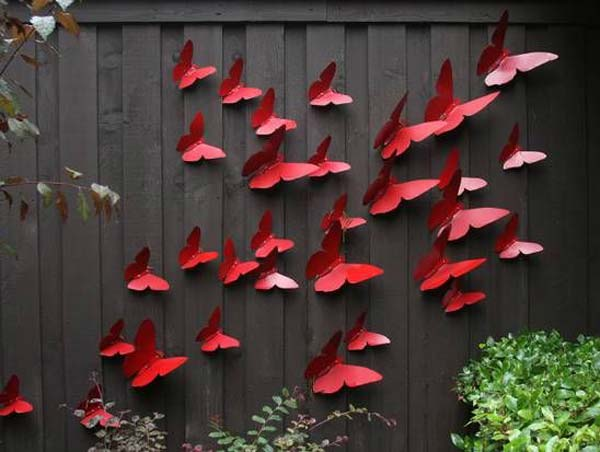 Top 23 DIY Garden Fence Decorations To Mesmerize Pedestrians usefuldiyprojects.com decor (6)