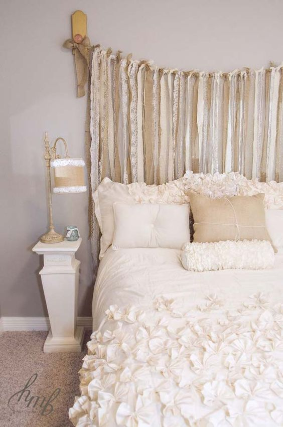 68a8bbeb67a41bbf66aa9f1da2509529 - 16 DIY Headboards That Can Revamp Your Bed
