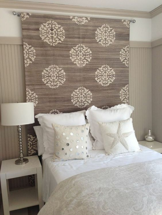 8ffc85f5d303de9f1afbc18d69003455 - 16 DIY Headboards That Can Revamp Your Bed