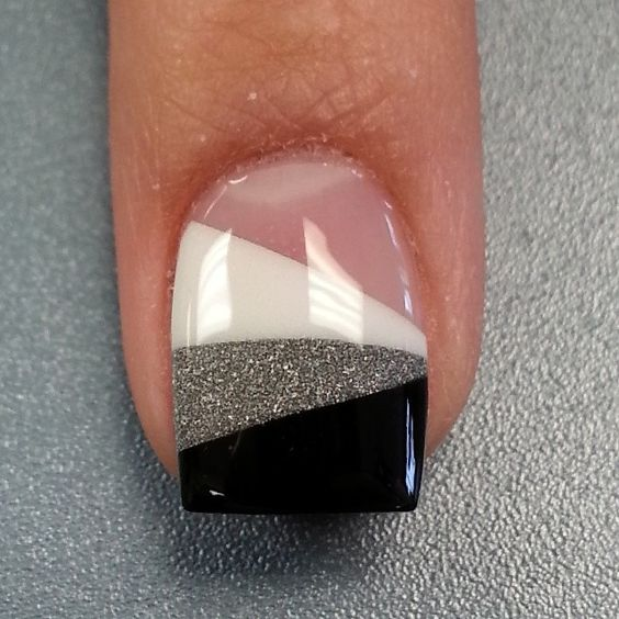 nail21 - 37 Acrylic Nail Art Designs You'll Want To Try For Upcoming Parties And Events