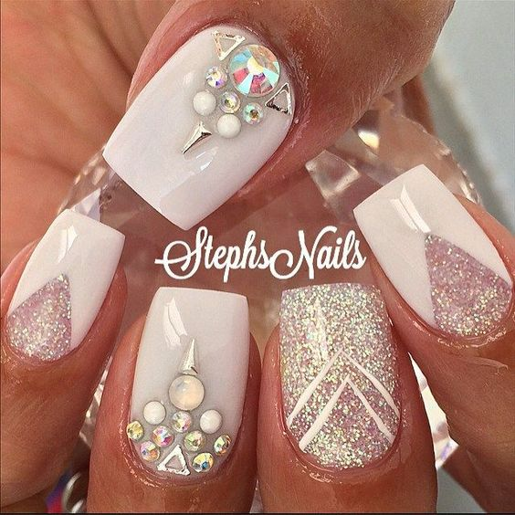 nail24 - 37 Acrylic Nail Art Designs You'll Want To Try For Upcoming Parties And Events