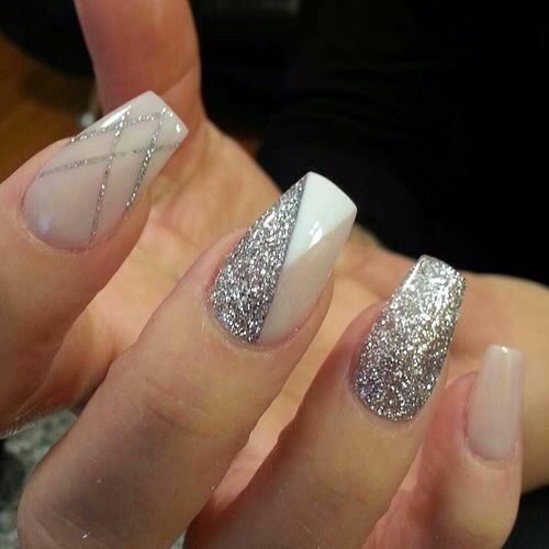nail27 - 37 Acrylic Nail Art Designs You'll Want To Try For Upcoming Parties And Events