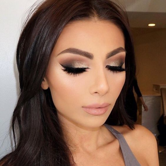 z11 1 - Get Ready For A Glamorous Night With These 15 Smokey Eye Makeup Ideas