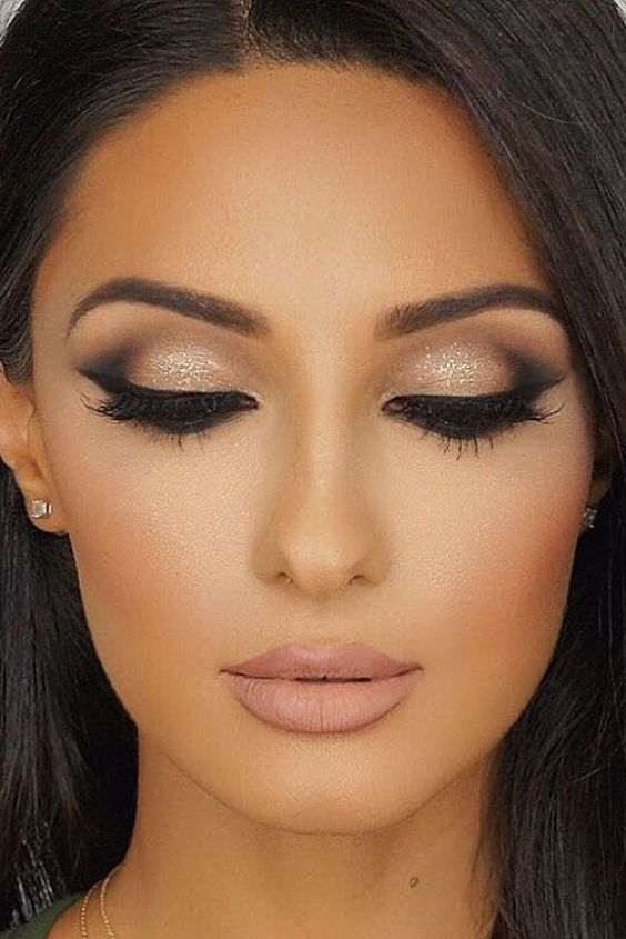 z6 1 - Get Ready For A Glamorous Night With These 15 Smokey Eye Makeup Ideas