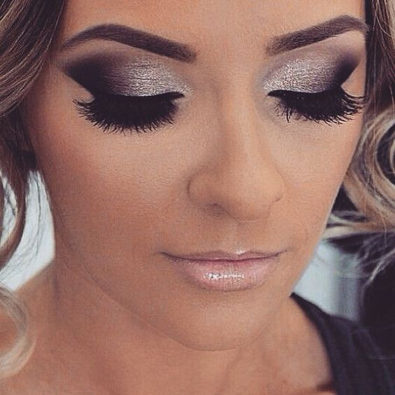 z9 1 - Get Ready For A Glamorous Night With These 15 Smokey Eye Makeup Ideas