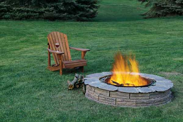 Top 40 DIY Fire Pit Ideas to Warm Your Summer Nights usefuldiyprojetcs 18 - Top 50+ DIY Fire Pit Ideas to Warm Your Summer Nights