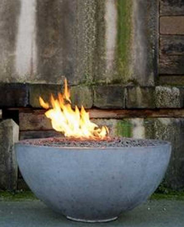 Top 40 DIY Fire Pit Ideas to Warm Your Summer Nights usefuldiyprojetcs 19 - Top 50+ DIY Fire Pit Ideas to Warm Your Summer Nights
