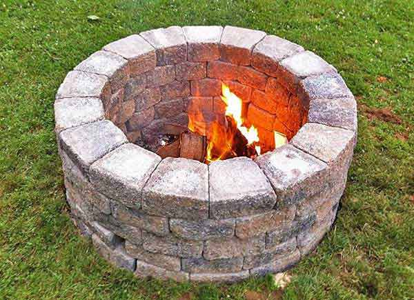 Top 40 DIY Fire Pit Ideas to Warm Your Summer Nights usefuldiyprojetcs 20 - Top 50+ DIY Fire Pit Ideas to Warm Your Summer Nights