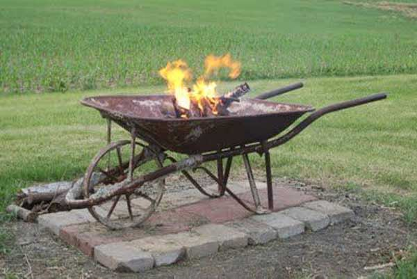 Top 40 DIY Fire Pit Ideas to Warm Your Summer Nights usefuldiyprojetcs 23 - Top 50+ DIY Fire Pit Ideas to Warm Your Summer Nights