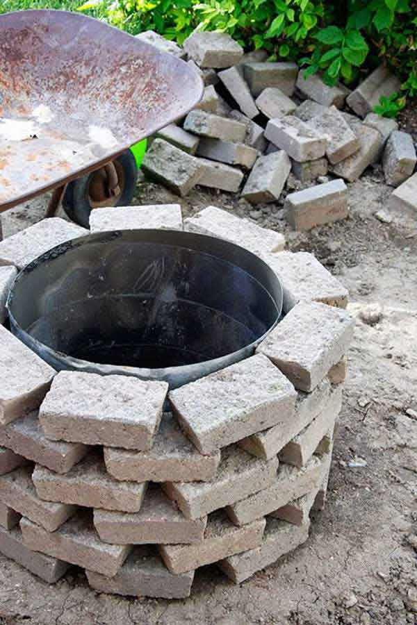 Top 40 DIY Fire Pit Ideas to Warm Your Summer Nights usefuldiyprojetcs 31 - Top 50+ DIY Fire Pit Ideas to Warm Your Summer Nights