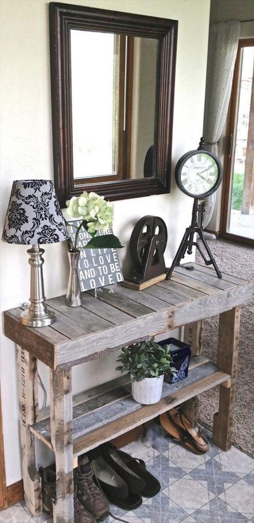 foyer pallet table