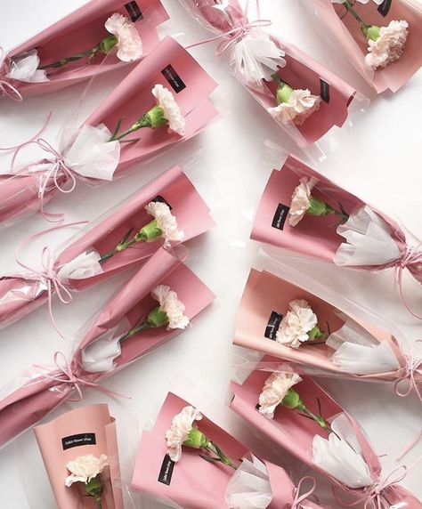 25 Flower Gift Ideas for Valentine Day 11 - 25 Flower Gift Ideas for Valentine's Day