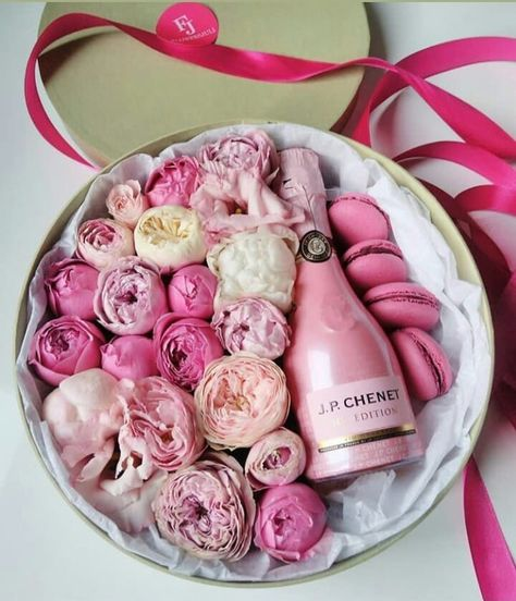 25 Flower Gift Ideas for Valentine Day 14 - 25 Flower Gift Ideas for Valentine's Day