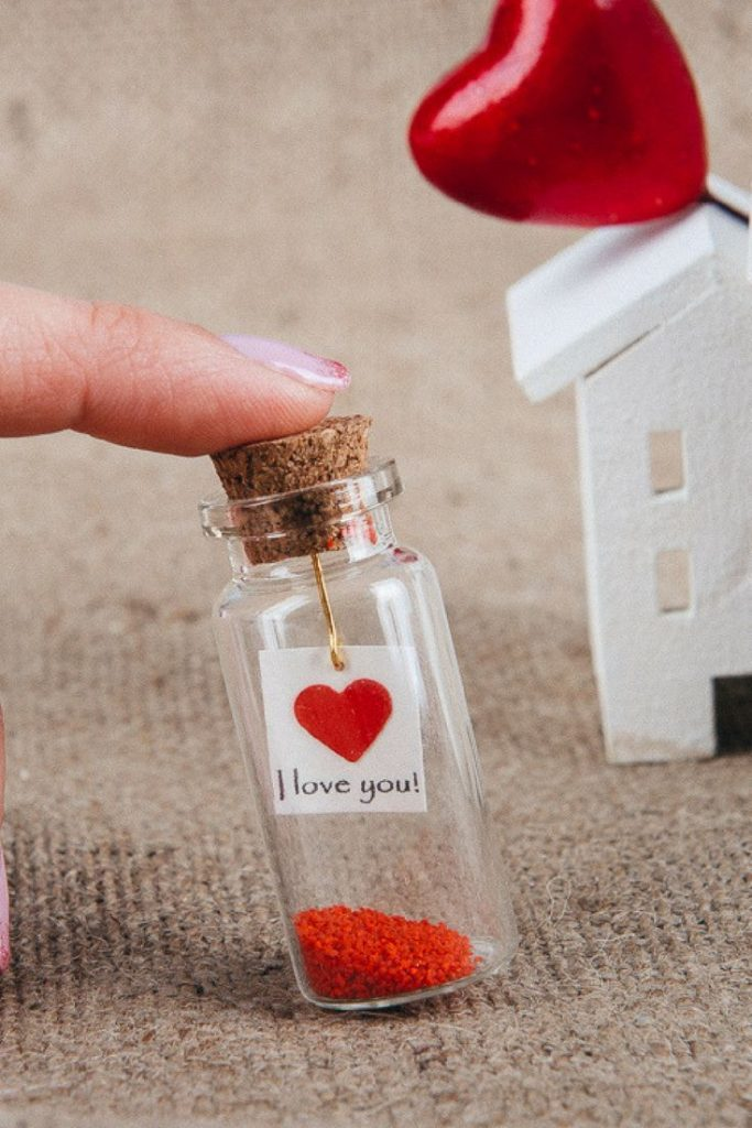 35 DIY Valentines Day Gift Ideas 32 683x1024 - 35 DIY Valentine's Day Gift Ideas