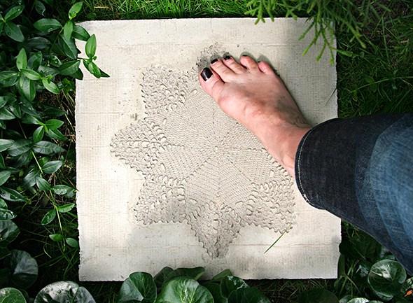Lace imprinted concrete pavement