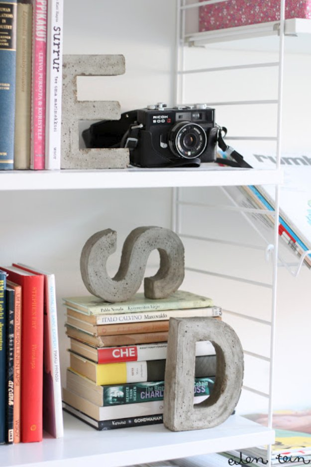 Bookends from concrete