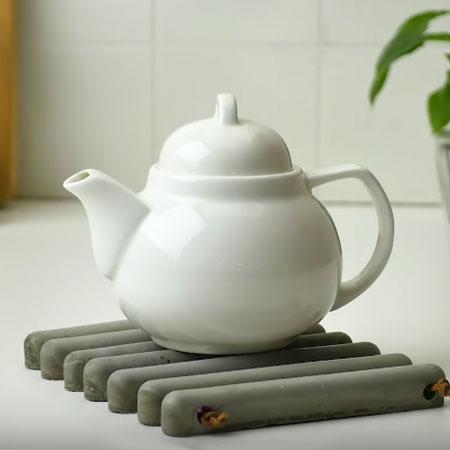 Cement tea pot holder