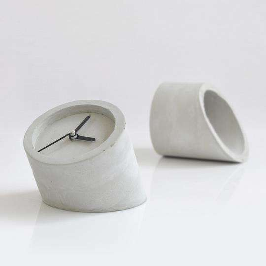 Contemporary concrete desk clock