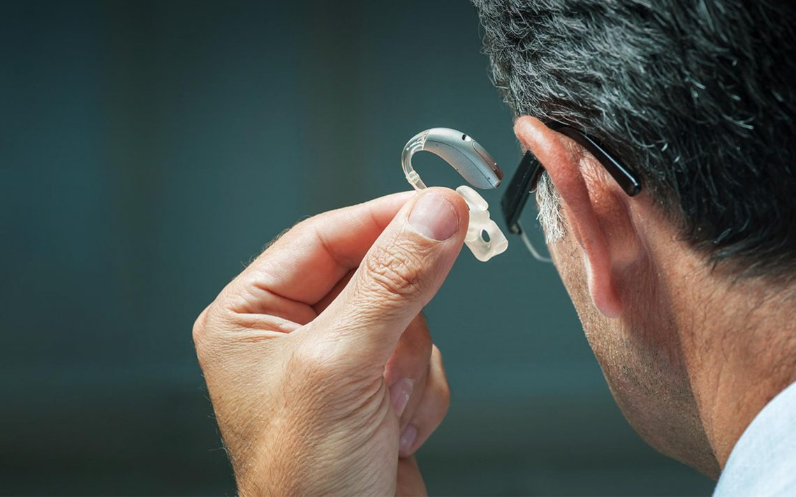 The Advantages of Wearing Hearing Aids