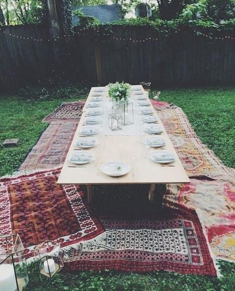 outdoors dinning