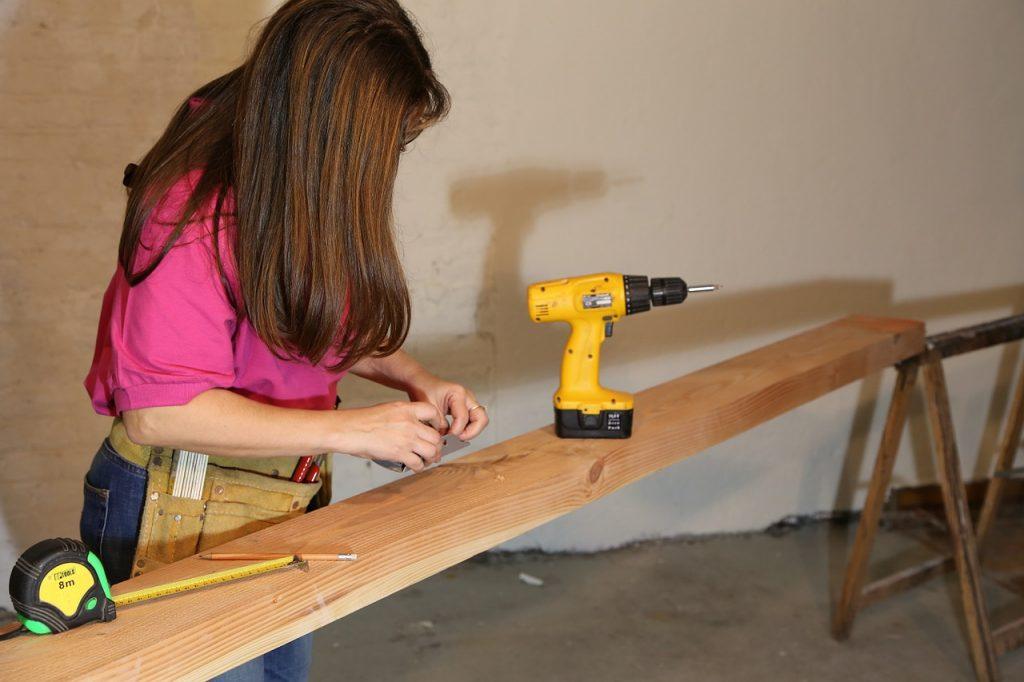 flooring tools drill and nails